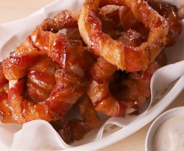cibulové kroužky ve slanině