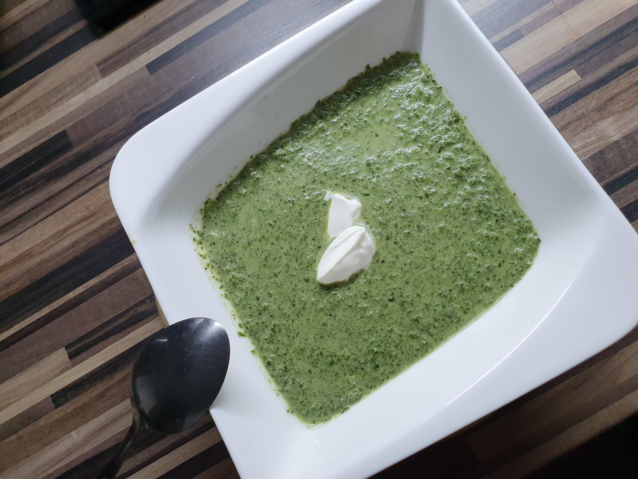 krémová špenátová polévka low carb