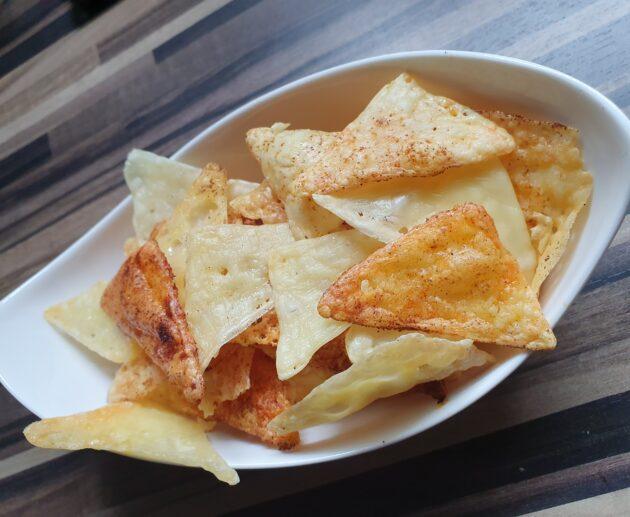 sýrové chipsy