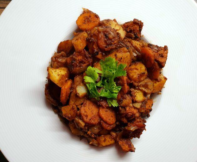dušené vepřové s mrkví a brambory